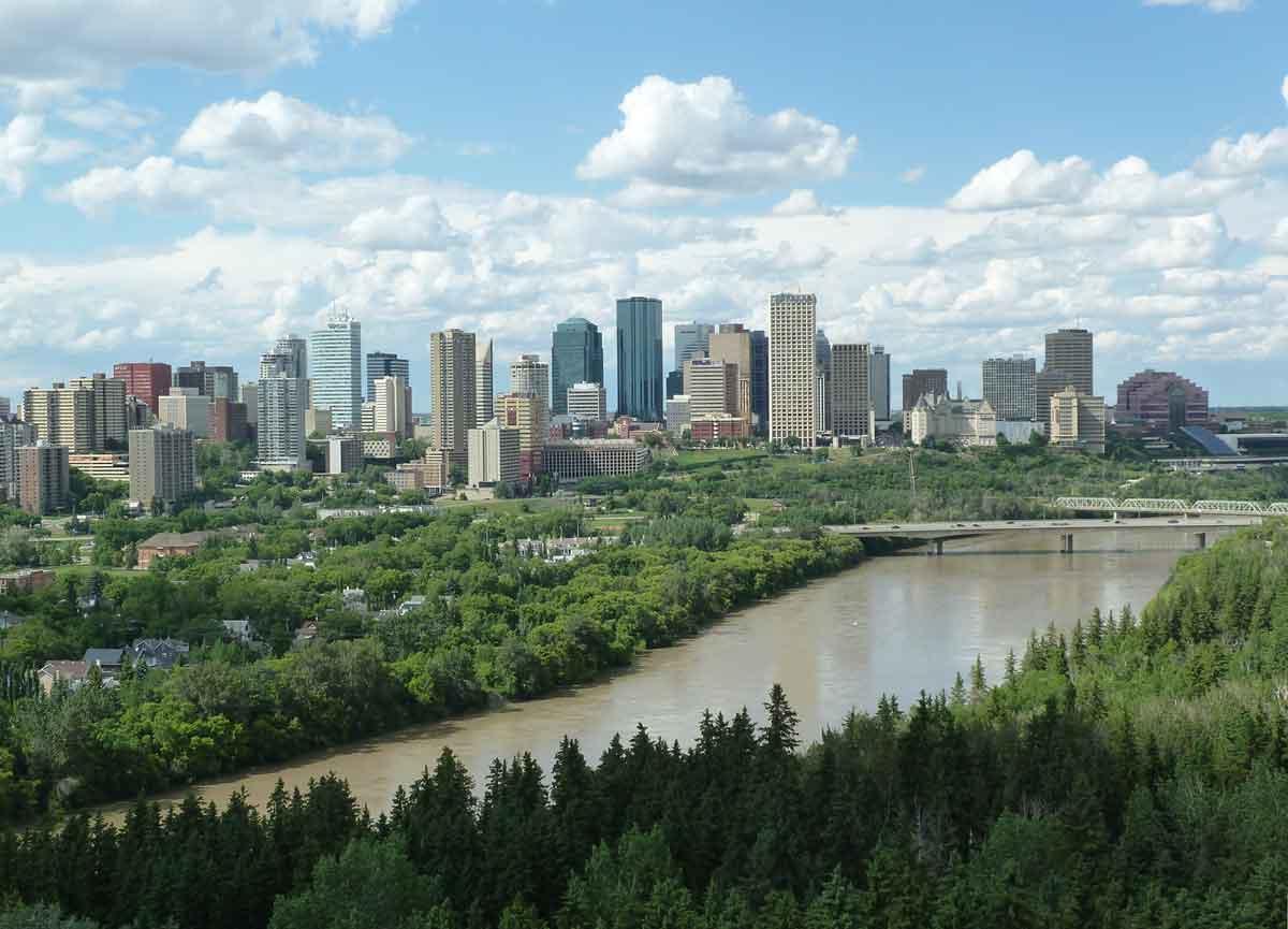 Edmonton cash flow condo